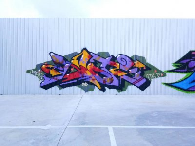 Graffiti Holiday & Friends