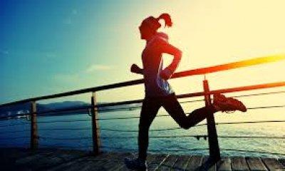 ออกกำลังกายตอนเช้า VS ออกกำลังกายตอนเย็น มีข้อดีต่างกันอย่างไร