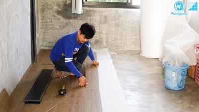 ปูพื้นกระเบื้องยางคลิ๊กล็อกบนพื้นที่ไม่เรียบแบบไม่ต้องปรับพื้น