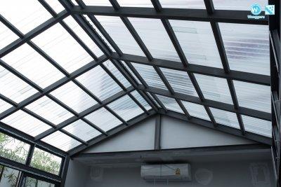 งานต่อเติมบ้านกระจก (Glass House) ด้วยหลังคาไฟเบอร์กลาส by SCG