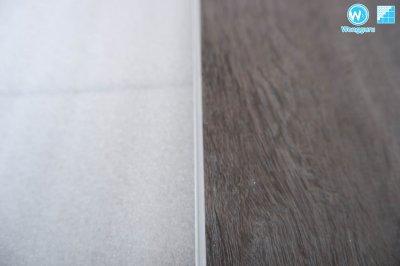 ติดตั้งกระเบื้องยางลายไม้แบบแข็ง SPC ทับพื้นไฟเบอร์ซีเมนต์บอร์ด SCG