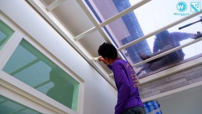 ติดตั้งหลังคาอะคริลิค Shinkolite หลังคาโปร่งแสงระเบียงข้างบ้าน