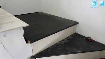 ติดตั้งลูกนอนบันไดกันปลวก Wood Cement Board แก้ปัญหาปลวกกินบันได
