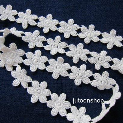 เทปลูกไม้ลายดอกไม้ สีขาว กว้าง 3 ซม. ยาว 90 ซม.