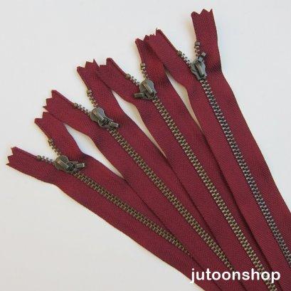 ซิปญี่ปุ่น YKK ยาว 35 ซม. (14 นิ้ว) สีแดงเลือดหมู