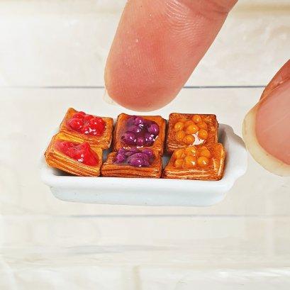 Dollhouse Miniatures Food Bakery Mini Fruit Tart Pie Set