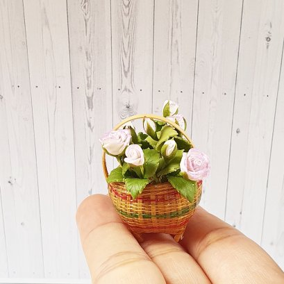 Dollhouse Miniatures Clay flower Rose in Basket