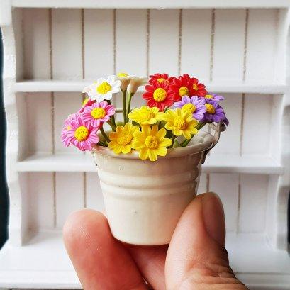Miniature Dollhouses FAIRY GARDEN White Daisies in Ceramic Vase Jar Pot Decor