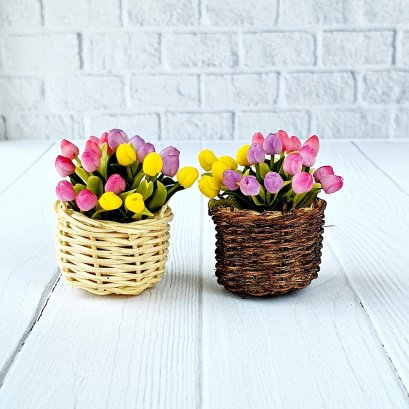 Dollhouse Miniatures Colorful Tulip Clay Flower in Wicker Basket Fairy Garden Plants Decoration