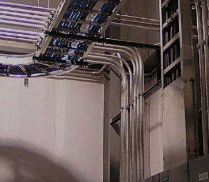 บริการเดินสายแลน ไฟเบอร์ออฟติก กล้องวงจรปิด และสายไฟภายในอาคาร