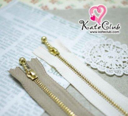 (เหลือแค่สีครีม) ซิปญี่ปุ่น YKK - สีทอง ความยาว 15 cm (มาพร้อมตัวห้อยซิป) **คลิกเลือกสีด้านใน