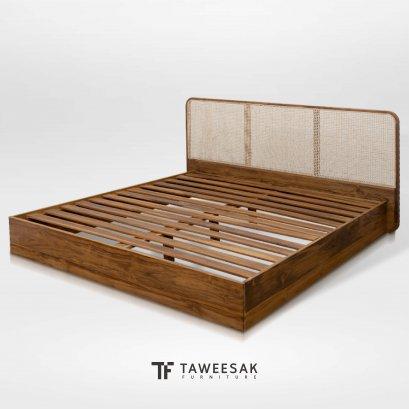เตียงไม้สักผสมหวาย BE130