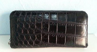 กระเป๋าสตางค์ซิปเดี่ยว หนังจระเข้แท้ สีดำ ส่วนท้อง #CRW467W-BL