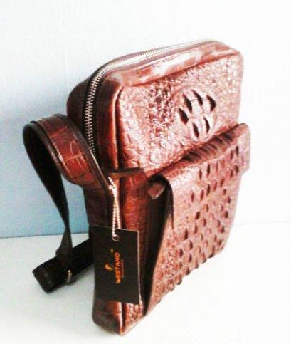 กระเป๋าสะพายใส่เอกสารหนังจระเข้แท้ สีน้ำตาลเข้ม ส่วนหลัง #CRM367H-BR