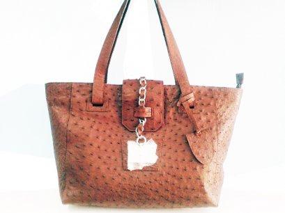 กระเป๋าสะพายหนังนกกระจอกเทศแท้ สีน้ำตาล #OSW331H-BR