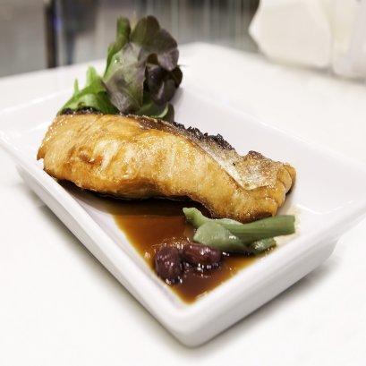 เนื้อปลาแซลม่อนย่าง+ซอสเทริยากิ