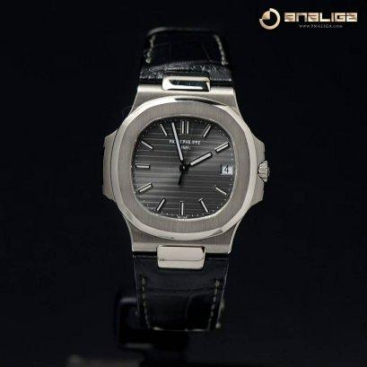 Patek Philippe 5711G-001