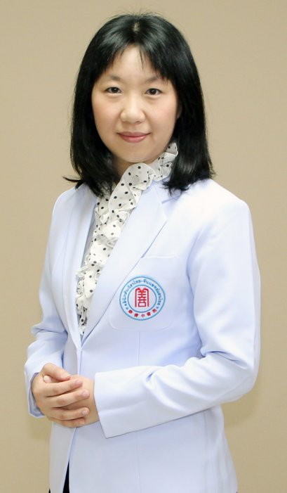 แพทย์จีน พรจันทร์ ศรีสานติวงศ์ (หมอจีน หลี่ เซียง หลิง)