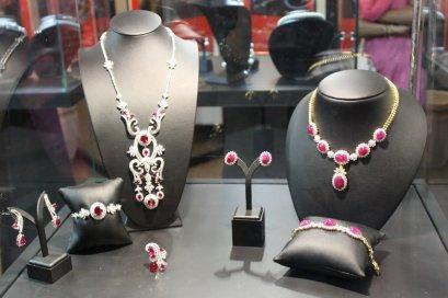 จิวเวลรี่ที่ใช้ในการเปิดงาน Thai Gem & Jewelry Traders Association Distribution Center in Mumbai India-December 2010 by L.S. Jewelry Group