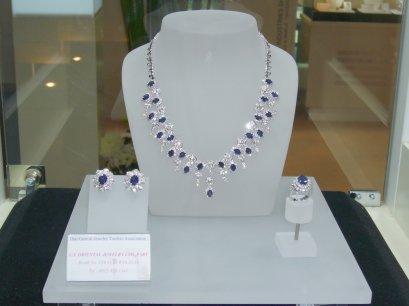 ชิ้นงานโชว์ กลุ่มอุตสาหกรรมเครื่องประดับทอง และแพลตินั่ม งาน Bangkok Gems & Jewelry Fair 40th