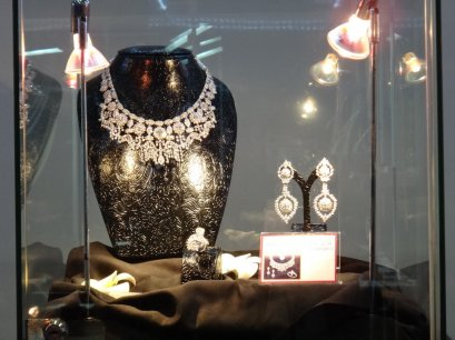 Ploi Thai Jewelry Creation Award in Bangkok Gems & Jewelry Fair ครั้งที่ 49 February 2012 By L.S. Jewelry Group