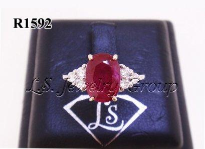 แหวนทับทิมพม่าธรรมชาติเจียระไน 2.51 Ct.