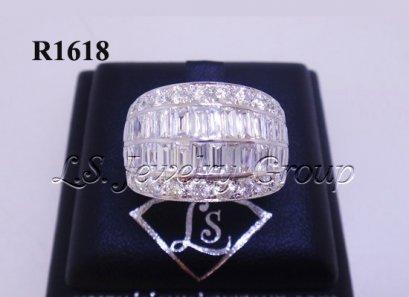 แหวนเพชรกลมและเหลี่ยมสอดแถว 3.65 Ct. น้ำ99%
