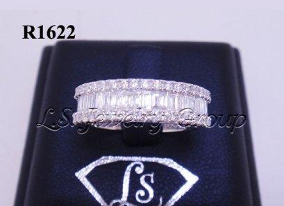 แหวนเพชรเหลี่ยมสอดแถว 1.70 Ct. น้ำ99%