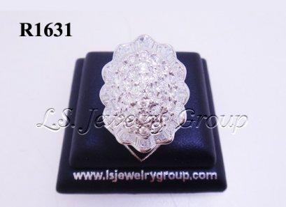 แหวนเพชรกลมและเหลี่ยมสอดแถว 3.60 Ct. น้ำ99%