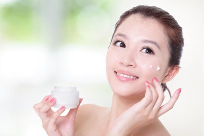The Body white with 7 simple tips to help keep your skin healthy.
