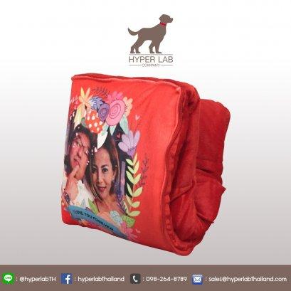 หมอนผ้าห่มสีแดง สกรีน Artwork