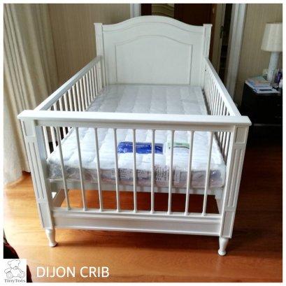 เตียงเด็กอ่อน Dijon Crib