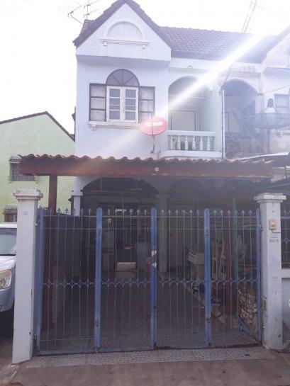 ขายด่วน ทาวน์เฮาส์ 2 ชั้น 17 ตร. ว. หมู่บ้านไพฑูรย์ แกรนวิลเลจ ซอยกรุงเทพ-นนทบุรี 56