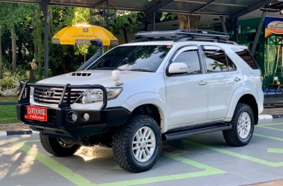 TOYOTA FORTUNER CHAMP 3.0 V 4WD A/T 2013 สีขาว (LZ0398)