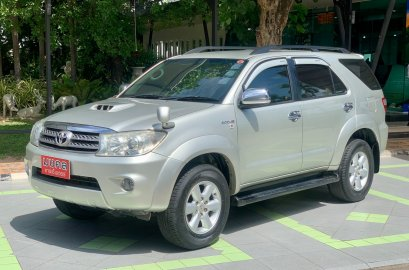 TOYOTA FORTUNER 3.0V AT สีเทา 2010 (LC074)