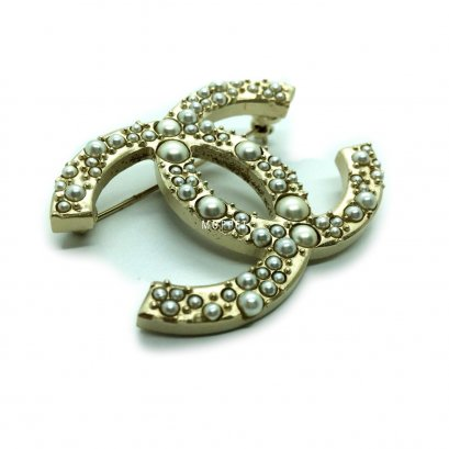 New Chanel CC Brooch 5 CM in Pearly GHW