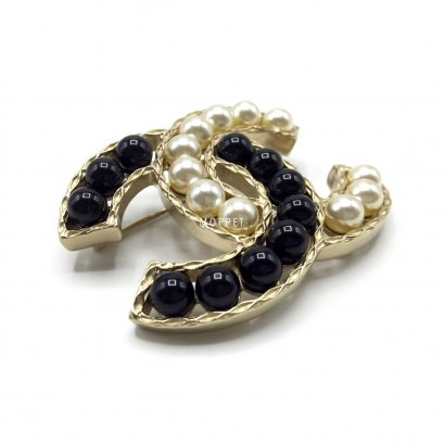 New Chanel CC Brooch 5.5 CM in Pearly/Black GHW