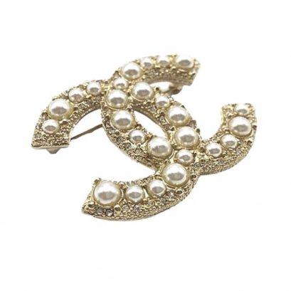 New Chanel CC Brooch 5 CM in Pearls GHW