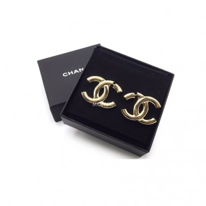 New Chanel Big CC Earrings in Gold Tone