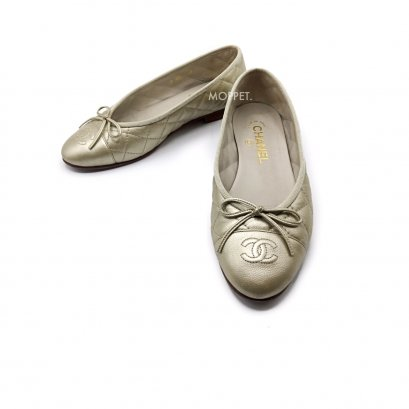 Used Chanel Flat Shoes 37 in Light Gold Leather
