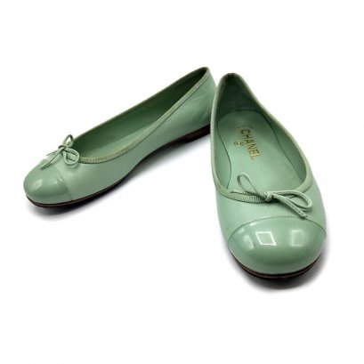 Used Chanel Flat Shoes 36.5 in Green Leather