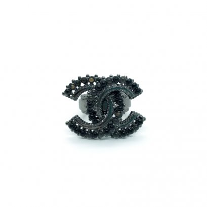 Used Chanel CC Ring in Black Pearls RHW