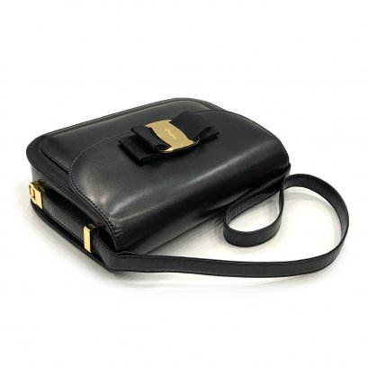 Used Ferragamo Vintage Shoulder Bag in Black Leather GHW