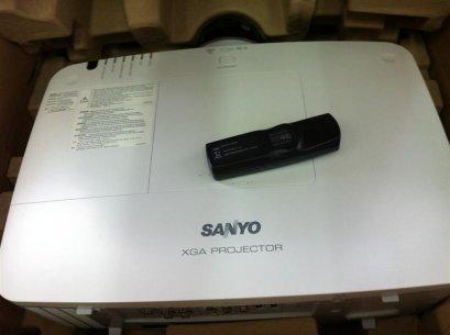 โปรเจคเตอร์ SANYO XM-150 มือสอง ใช้ 80 ชม. 6000 lumen XGA