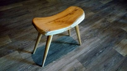 Wooden Stool - Curve Design