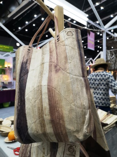 Productss from banana leaves - Hand bag