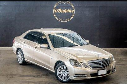 Mercedes Benz E200 CGI Blue Efficiency Elegance รถปี 2011 คันนี้ฟรีดาวน์ ราคาต่อรองได้ สนใจจริงคุยกันได้