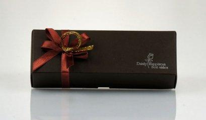 Y-022 กล่องน้ำตาล ลาย Dainty Happiness 4 ช่อง 16x4x4 cm