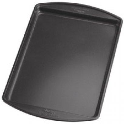 2105-6794 Wilton PR 13.25X9.25 SML COOKIE PAN