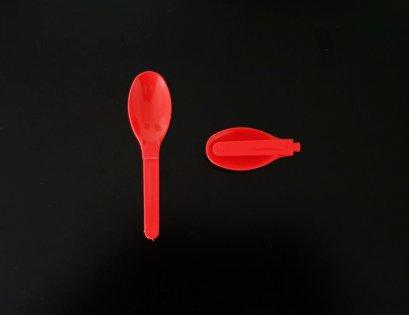 ช้อนพับพลาสติกสีแดง (มีขาพับ)